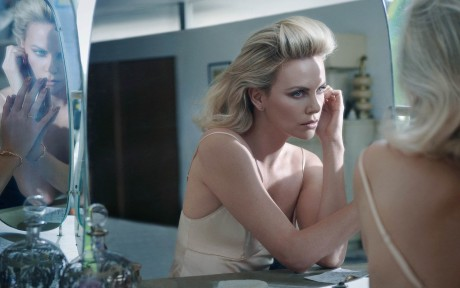 Charlize Theron_Elle Fr_Jan13-12 (2)