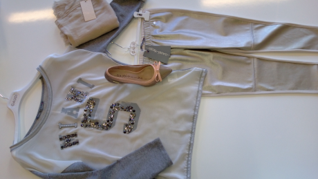 Gaudi Outfit 2 details 2