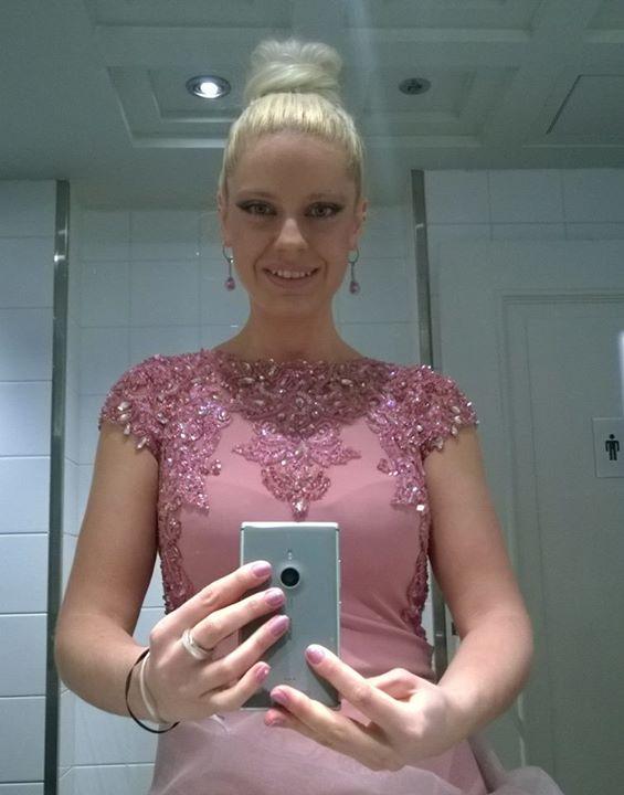 the dress 7